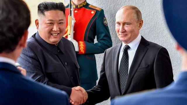 2019년 4월 김정은 북한 국무위원장과 블라디미르 푸틴 러시아 대통령이 북러정상회담을 위해 만났다